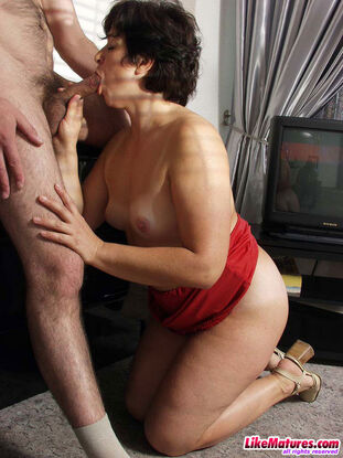 Mature with excellent jugs deepthroat lover's salami