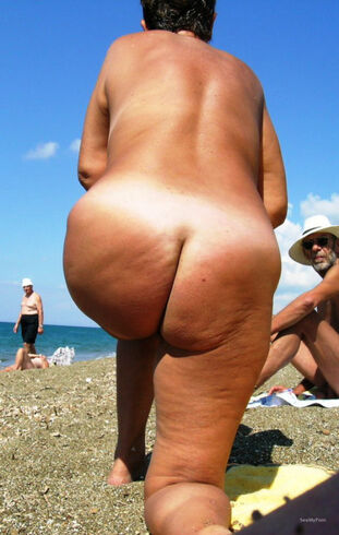 Mature wife on beach phat udders hanging down naked