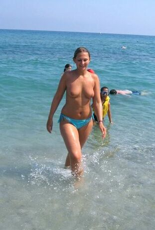 Big-boobed mature ladies nudists in the river