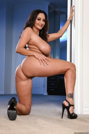 Ava Addams posing in wonderful high high-heeled boots - My..